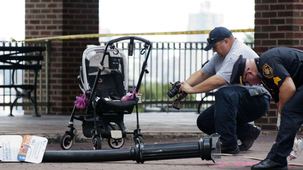 Polizei Unfall Laterne Baby New York