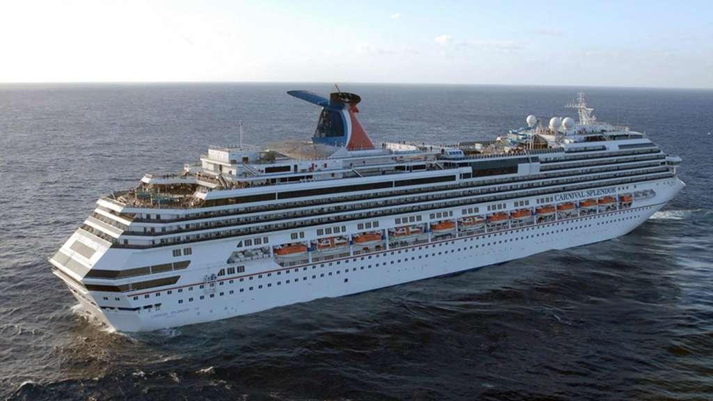 Kollision in der Karibik: Kreuzfahrtschiff rammt Kreuzfahrtschiff