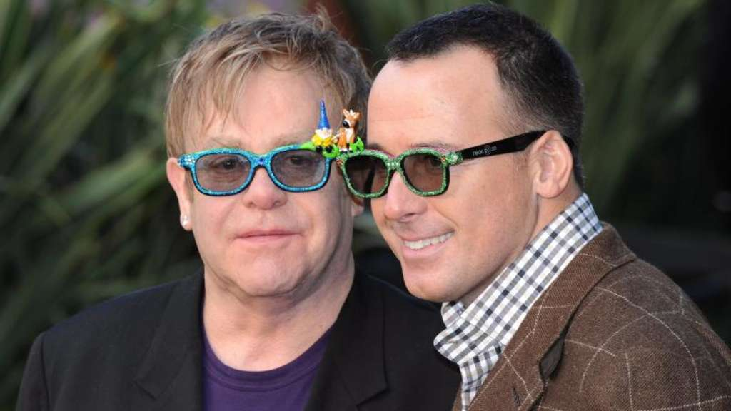 Nach der eingetragenen Lebenspartnerschaft nun die Heirat: Elton John und David Furnish. Foto: Daniel Deme