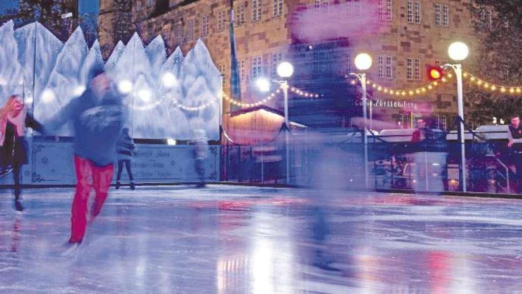 Weihnachtsmarkt Salzwedel.Eisbahn Auf Dem Salzwedeler Weihnachtsmarkt Salzwedel