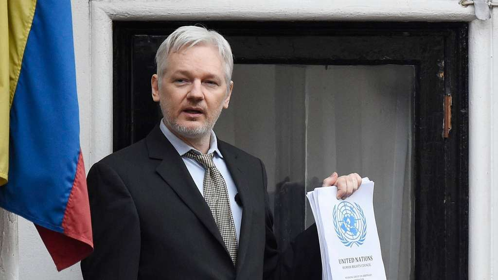 Ecuador to allow Swedish officials to question Assange