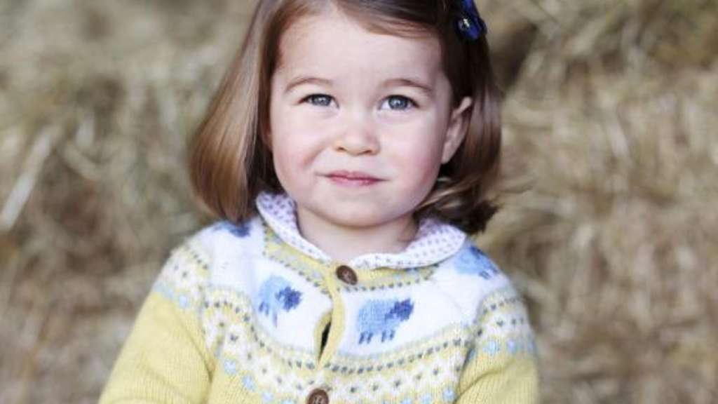 Ein kleines Lächeln in Mamas Kamera: Prinzessin Charlotte. Foto: The Duchess Of Cambridge