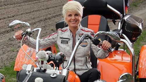 Country-Queen Linda Feller beim TV-Dreh in Arendsee