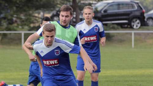 Liga-Start: Weber-Elf bei Top-Team Wilsche