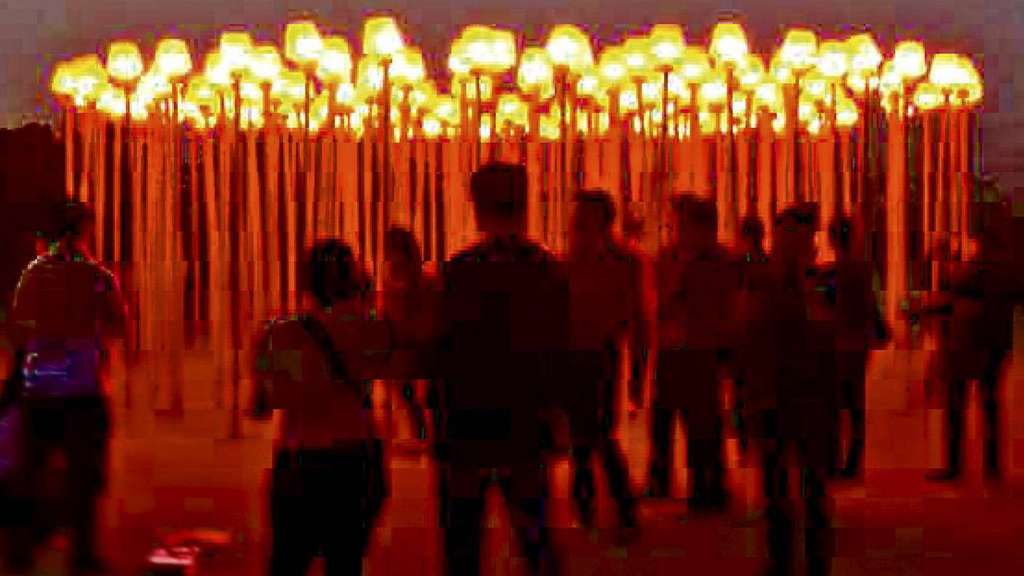 Red Lights (2012): Lichtinstallation im Millennium-Park in New Delhi (Indien).
