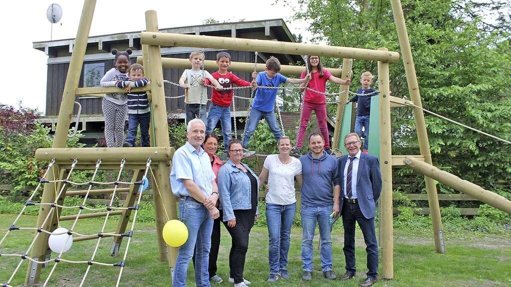Klettergerüst Spielplatz : Neues klettergerüst für wittinger spielplatz wittingen
