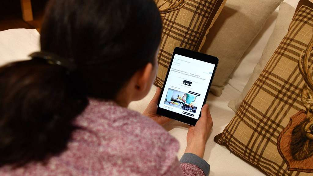 smartphone im bett jugendliche schlafen immer schlechter salzwedel. Black Bedroom Furniture Sets. Home Design Ideas
