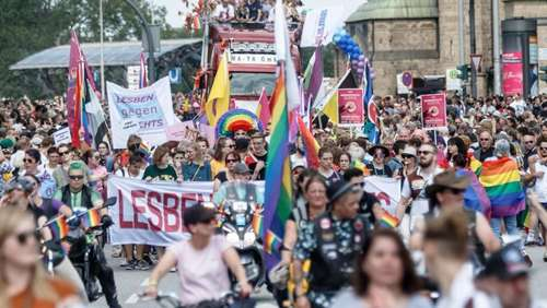 Hamburger CSD: Bunte Party trotz Schockmoments